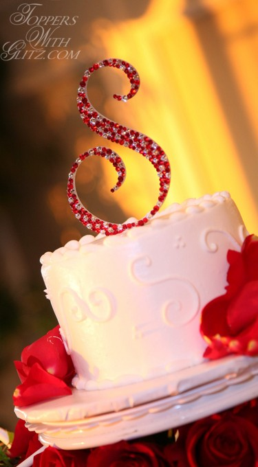 Single monogram cake topper in Siam, Light Siam and Crystal